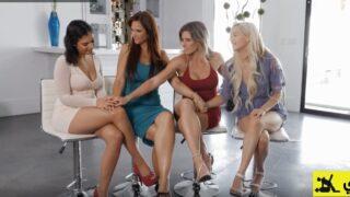 افلام سكس سحاق اربع بنات مثليين شراميط ميلف داخل غرفة النوم