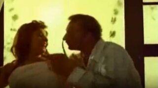 سكس مديحة يسري فيديو مسرب لفنانة مصرية عارية وبوس واحضان