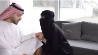 نيك قحبة سعودية من شيخ سعودي في كسها المشعر