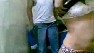 نيك مراهقة مصرية من عشيقها فيديو سكس مصري مسرب