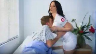 سكس في المستشفي نيك مريض الدكتورة المتنكرة في الزي الطبي