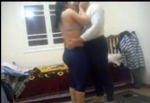 مصري ينيك جارته المراهقة