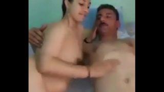 فيلم نيك مصري عنتيل زانق شرموطة ونازل نيك – سكس مصري